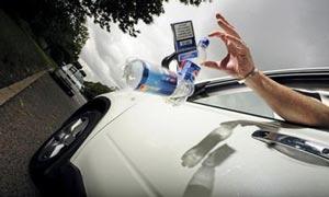 Выбрасывание муора из автомобилей